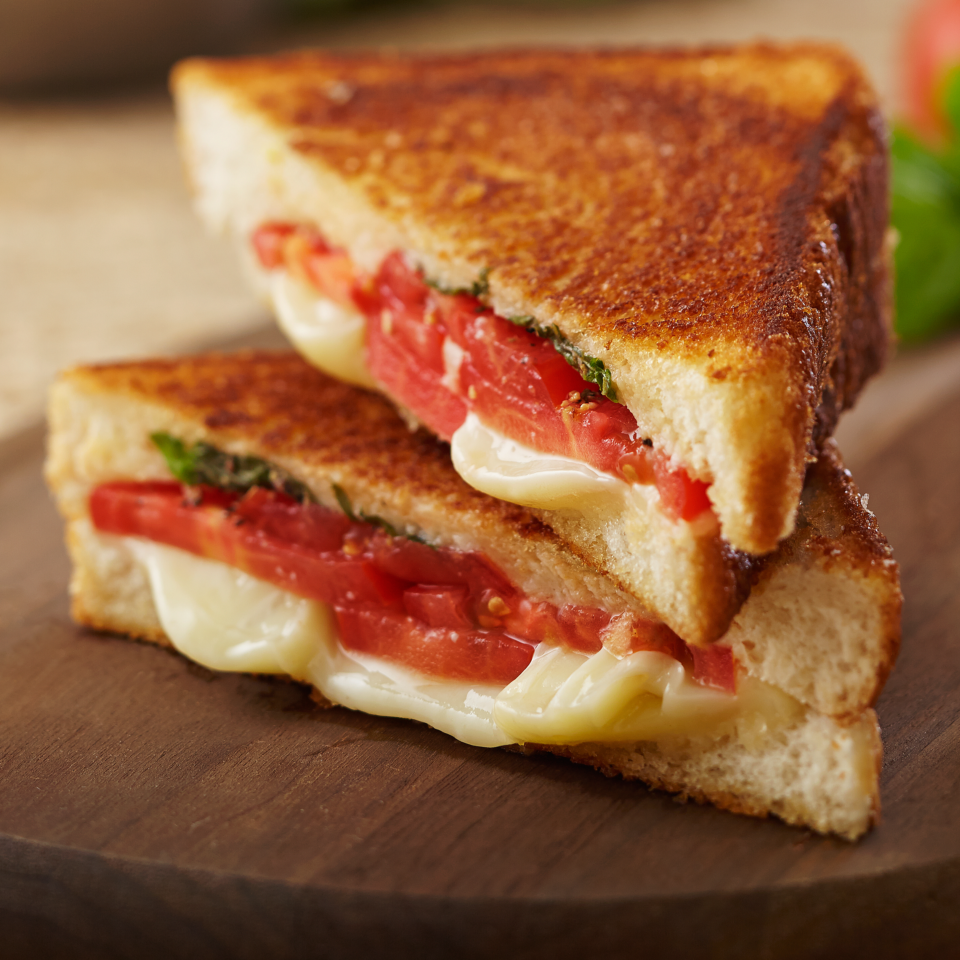 Grilled Cheese with Tomato with Pesto